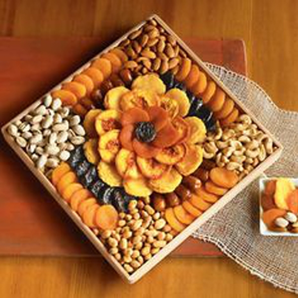 Sweet potato crisp with a blend of Kenya's finest dried tropical fruits and nuts (Gift Basket)
